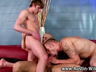 Gay hunk pornstar Austin Wilde