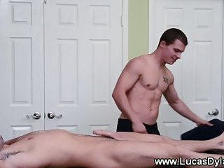 Masseur stud cant wait to give a happy ending to his client