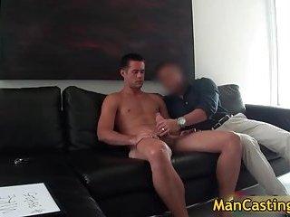 Sexy stud Mike sucks jizzster