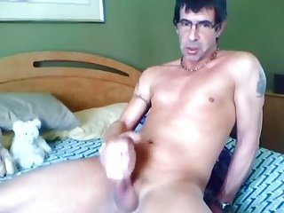 Mature Guy Jerking Off On Web